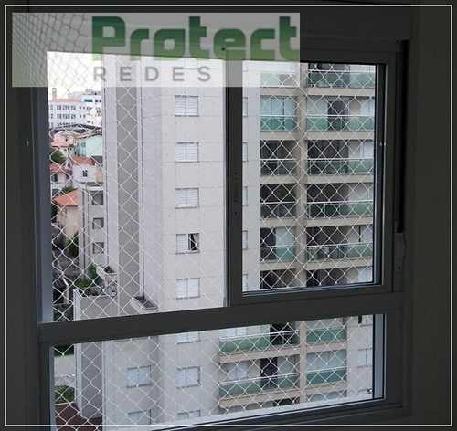 Instalação de redes de proteção em janelas